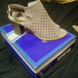 White Mountain leather Glorielle shoes